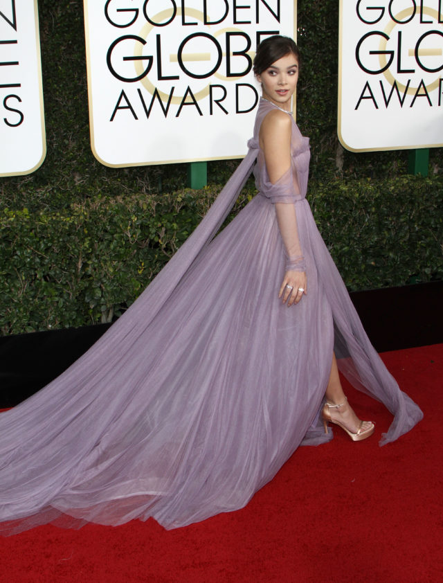 52276720 The 74th Annual Golden Globe Awards held at The Beverly Hilton Hotel in Beverly Hills, California on 1/8/17. The 74th Annual Golden Globe Awards held at The Beverly Hilton Hotel in Beverly Hills, California on 1/8/17. Hailee Steinfeld FameFlynet, Inc - Beverly Hills, CA, USA - +1 (310) 505-9876